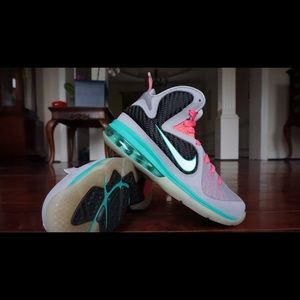 new concept 75b51 52491 Nike Shoes - Lebron James 9 Miami Vice South Beach 4.5 GS