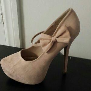 Shoes - Beautiful heels
