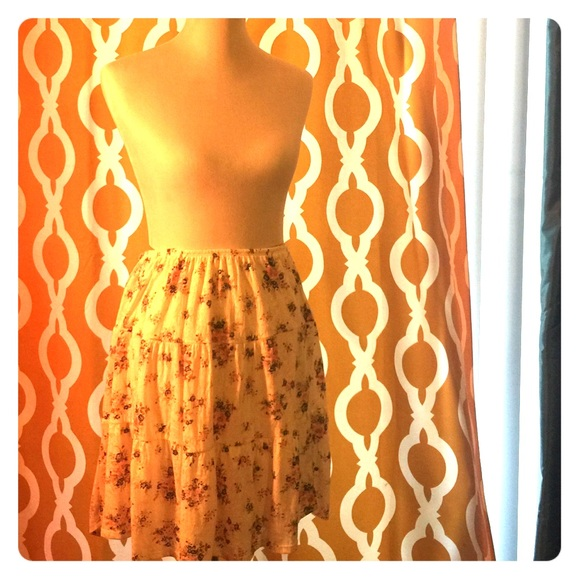 Maurices Dresses & Skirts - Floral skirt.