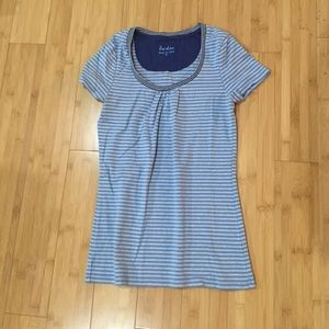 striped blue and grey top