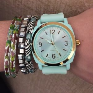 Mint Viscid Watch with gold
