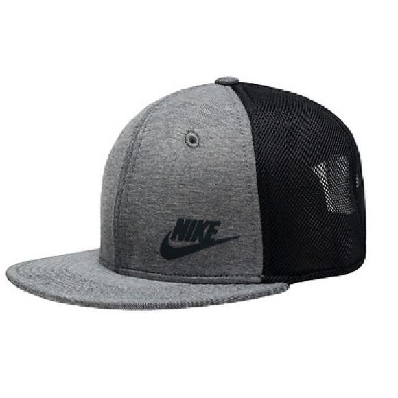 NWT Nike Tru Tech Pack Hat Youth Unisex e3449c4756f6