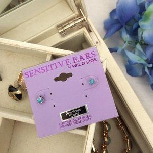 Simple turquoise post earrings