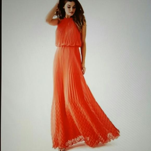 3e069e86937 Guess Dresses   Skirts - GUESS Dallas Maxi Dress
