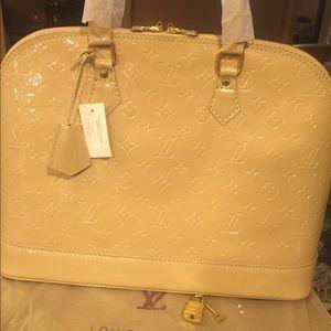 Handbags - Hold for @tropicalshopper