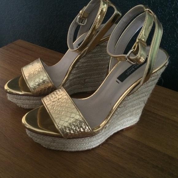 e28c7ff411d Zara Gold Espadrille Wedges. M 571570d16a5830c377001374