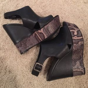 Sole Society black wedge sandals