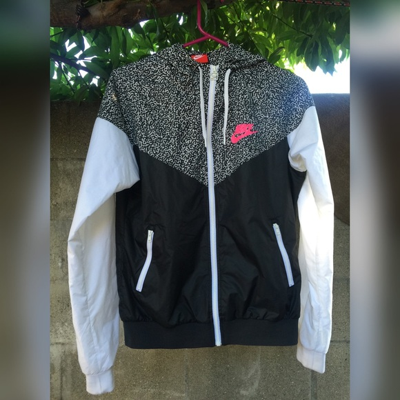 Nike - Nike leopard print windbreaker jacket w/ pink logo from ...