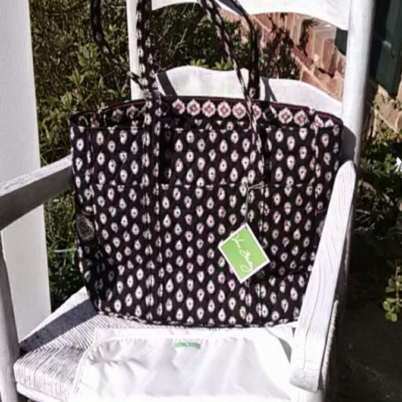 57 off vera bradley handbags vera bradley nwt baby bag in classic black fr. Black Bedroom Furniture Sets. Home Design Ideas