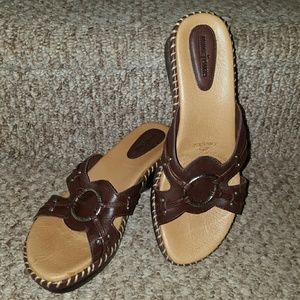 Minnetonka Shoes - Minnetonka Liquicell Slides NWOT