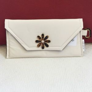 Auralee Anna Handbags - Handmade Ivory Faux Leather Tortoise Flower Clutch