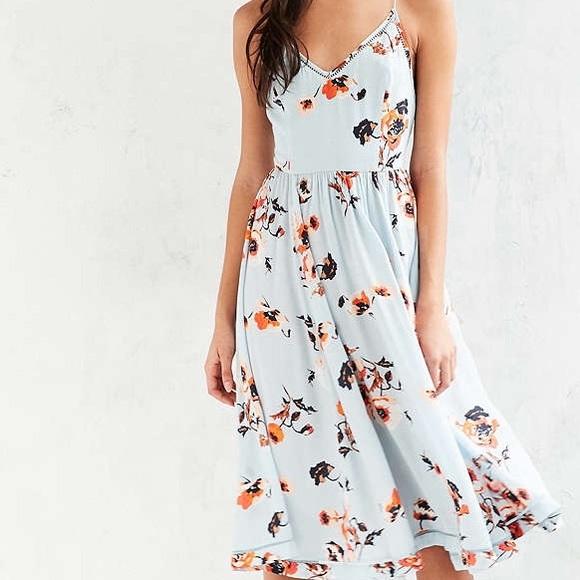 8f5ee8963b87 Kimchi Blue Cindy Ladder Lace Midi Dress. M 57168d063c6f9f469100a6aa