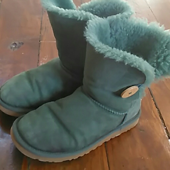 d23f6f64249 Dark green limited edition ugg boots