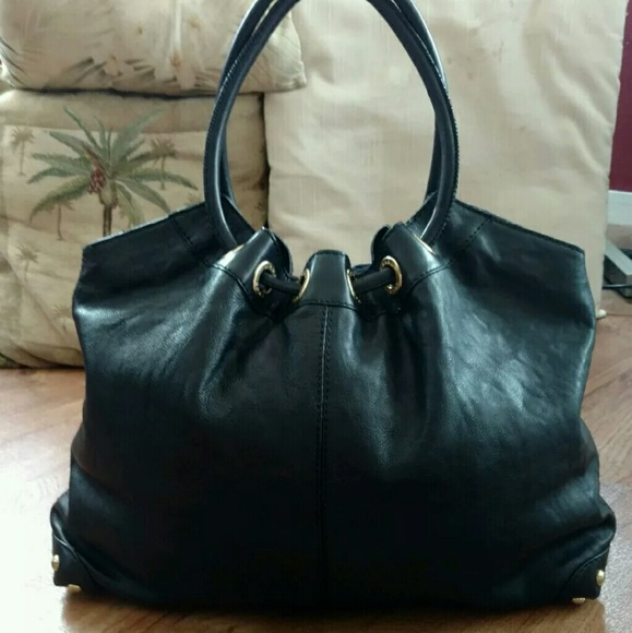 cf2edd6f235d Michael Kors Signature Lg Black Leather Ring Tote.  M_5716b97cfbf6f9706200eedc