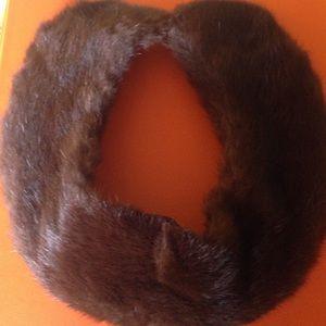 Beautiful vintage mink collar