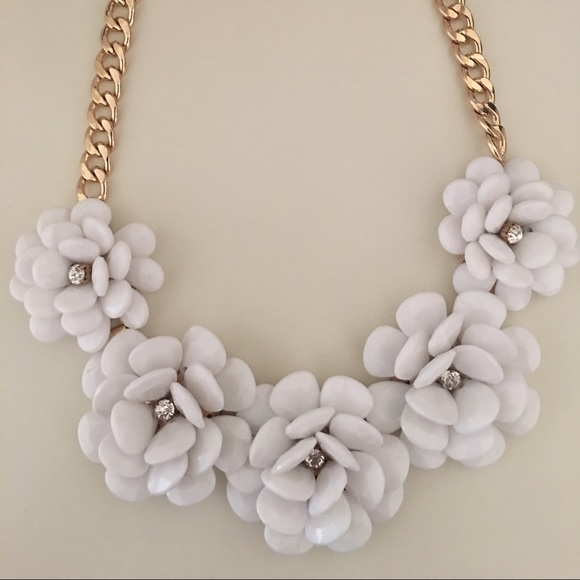 Walmart jewelry white flower statement necklace poshmark white flower statement necklace mightylinksfo