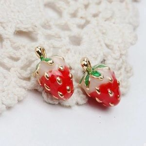 Jewelry - Cute strawberry stud earrings