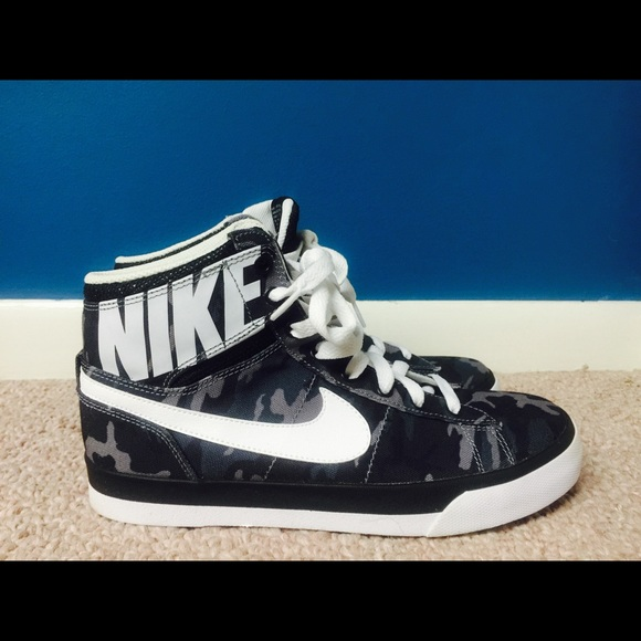 d9294eb770c5 Nike Match Supreme Hi TX - size 6.5Y - NEW. M 5716ec534225beb90201644e
