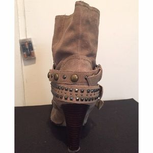 Shoes - ❌ SOLD - Suede Boots w Buckles/Studs