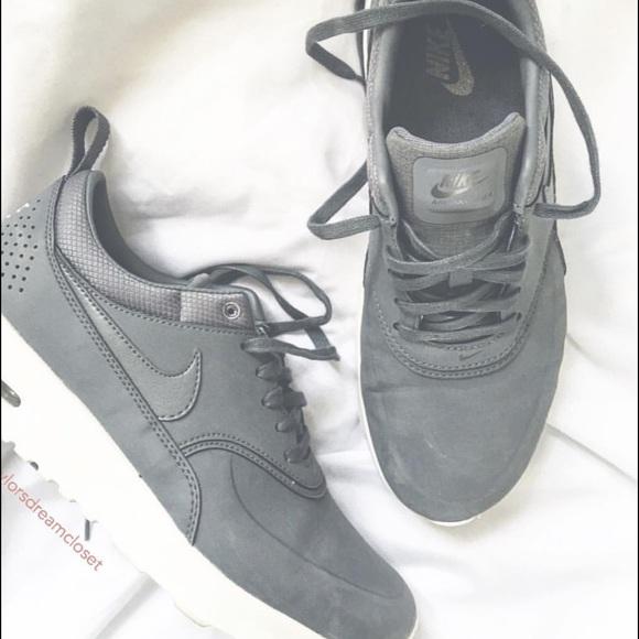 Nike air max Thea premium in grey. M 57171ff56d64bc4a0503123e f12d886b548