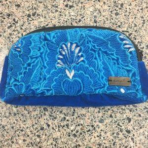 Handmade case/bag by Ketzali.