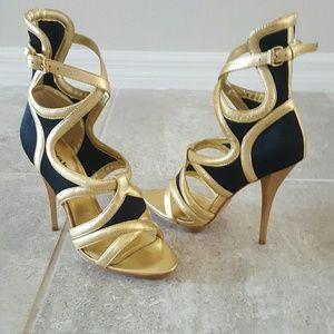 Sexy bebe black/gold heels Size 6
