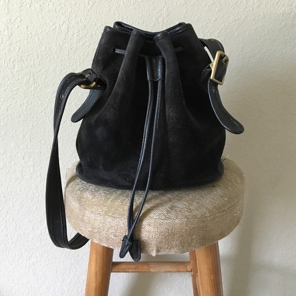 49d60ddfd7 Coach Handbags - Vintage coach bucket bag