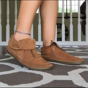 238f3c1331abef Vans Shoes - Vans Brown Faux Leather   Fleece Mohikan Moccasins