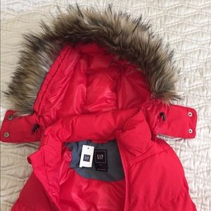 New Gap Red Insulation Vest with Faux Fur Small