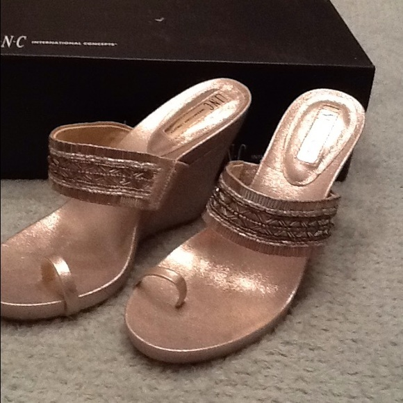 Gold Wedge Toe Sandals