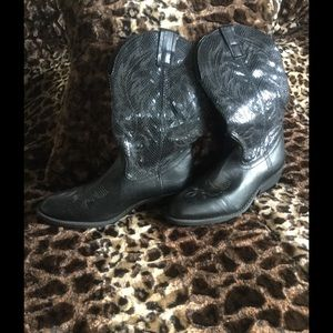 NEW Walden Boots size 8.5