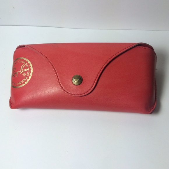 ray ban glass cleaner  ray ban red leather case with eye glass cleaner