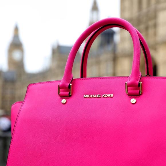 3d4727b19938 SUNDAY SALE❗️Michael Kors Hot Pink Selma Bag. M_57181bfbf092821cac001f15
