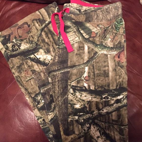 81b8854b68fbe Mossy Oak Pants | Flash Sale Camouflage Sweat | Poshmark