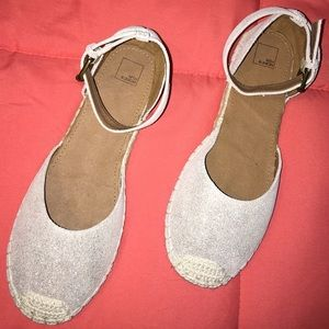 14th & Union Shoes - Silver with Crochet Toe Flats