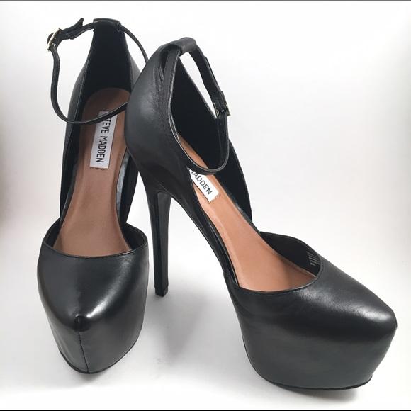 1ae6d10684a Steve Madden Deeny Black Leather Platform Pump. M 57183fca7fab3a37430078c8