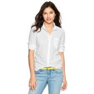 GAP Tops - New Gap Fitted Boyfriend Dot White Buttondown Top