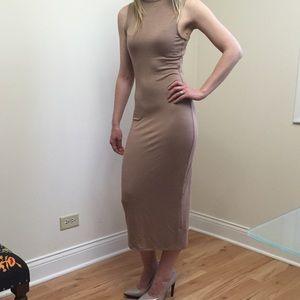 Dresses & Skirts - Sleeveless Midi Dress