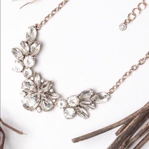Jewelry - ⛱FIRM⛱Clear Flowers Statement Necklace