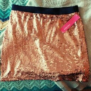 Xhilaration Dresses & Skirts - Metallic Rose Sequin Miniskirt