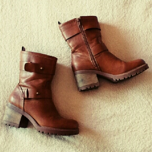 Mudd Shoes - Barely Worn Chunky Brown Boots