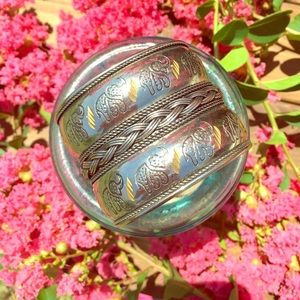 Jewelry - Silver cuff bracelet with engraved Elephants