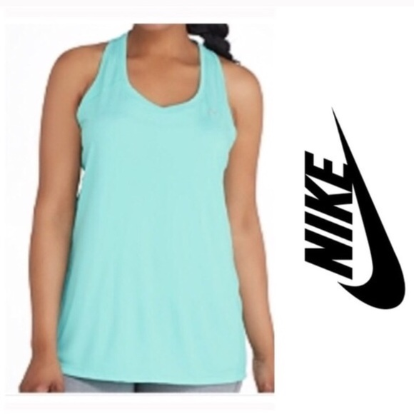 2a5b7547820 NWT Nike Plus Size Athletic Tank