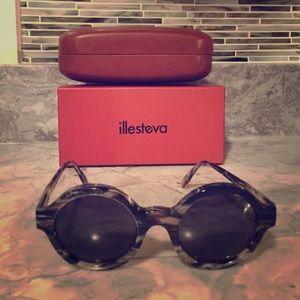 Illesteva Accessories - Illesteva sunglasses never worn!