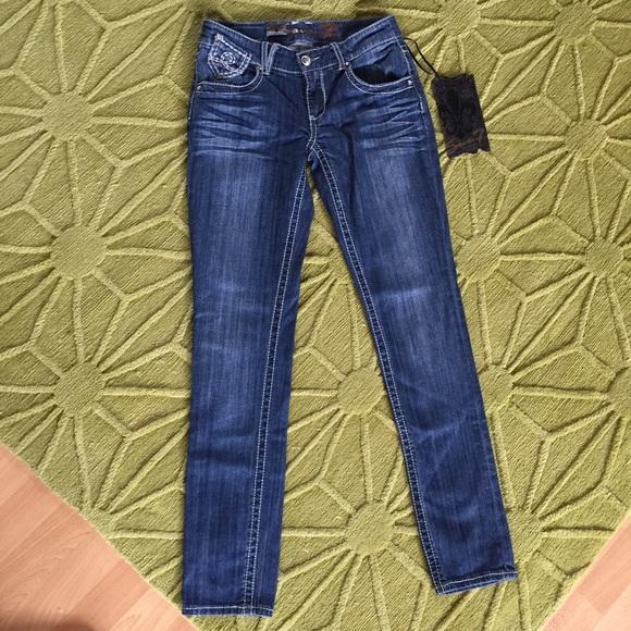 d957b3dc297 NWT Seven7 Skinny Med. Wash Jeans