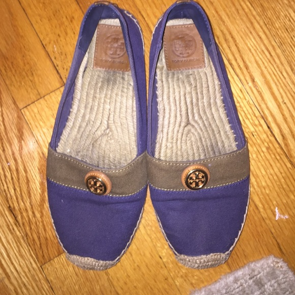 5d8ab9f3e8cd57 SALE Tory Burch Navy and Green Espadrille Flat. M 571978152de5124be3005e4a