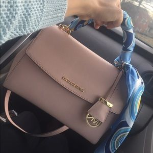 24b696b25095 Michael Kors Bags - MK small Ava