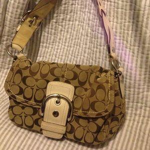 AUTHENTIC coach purse 👛