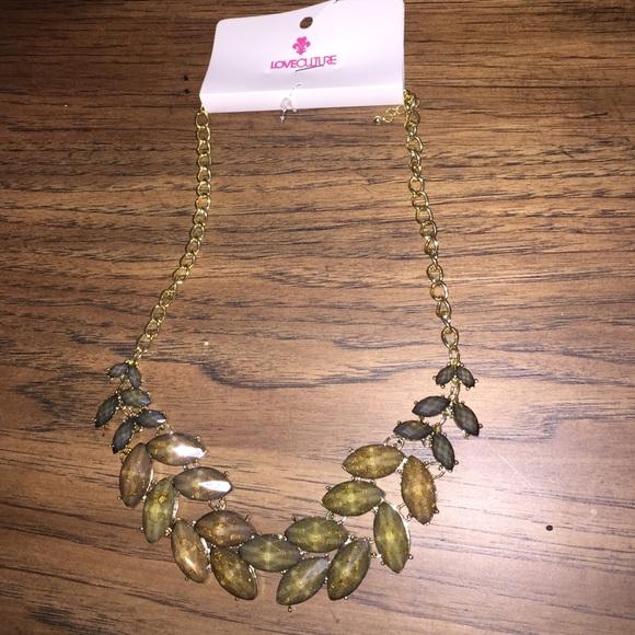 Gold Leaf epoxy stone necklace NWT