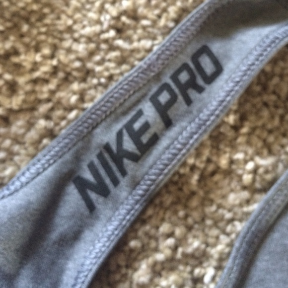 Nike Tops - Nike pro tank